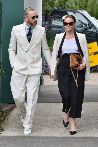 <p>Stella McCartney andAlasdhair Willis at Wimbledon July 2017.</p>