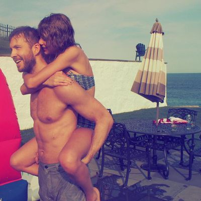 4. It's Taylor Swift and her cat again! Whoops, that's BF Calvin Harris. Likes: 2.5 million. Comments: 76.9k.