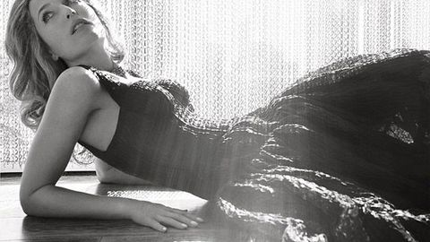 <i>X Files</i> star Gillian Anderson was a high school lesbian
