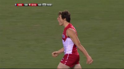 Sydney Swans star Kurt Tippett announces shock retirement from AFL