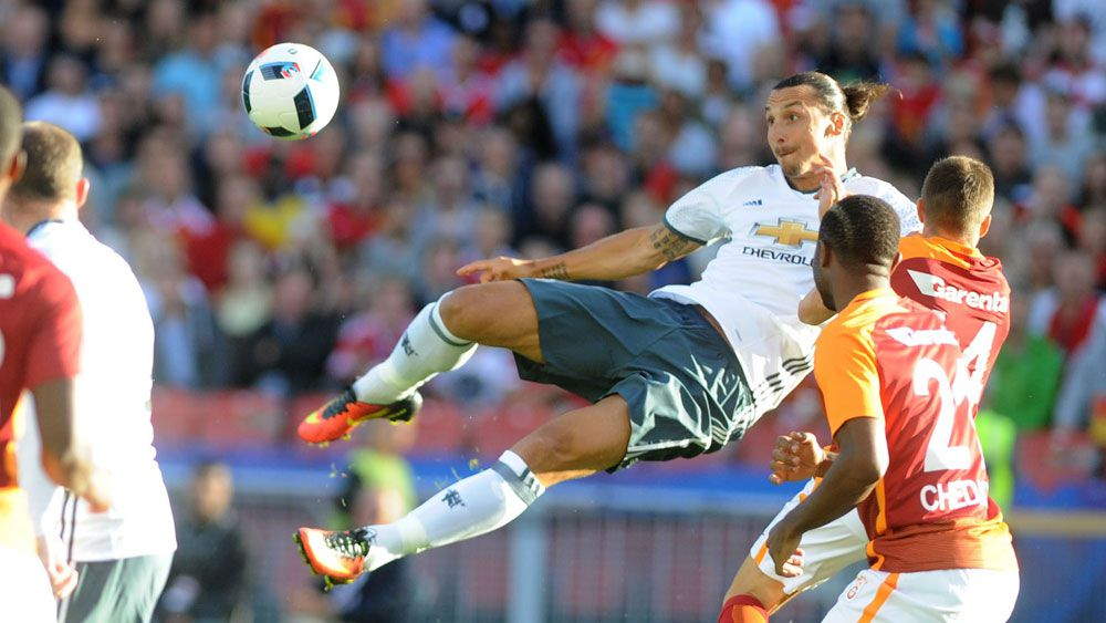 Ibrahimovic delivers early for Man United