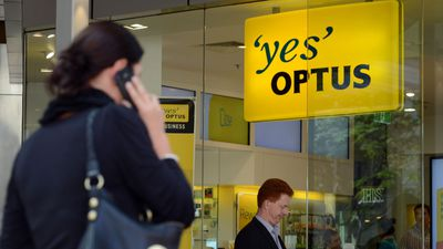 Optus outage leaves hundreds without service