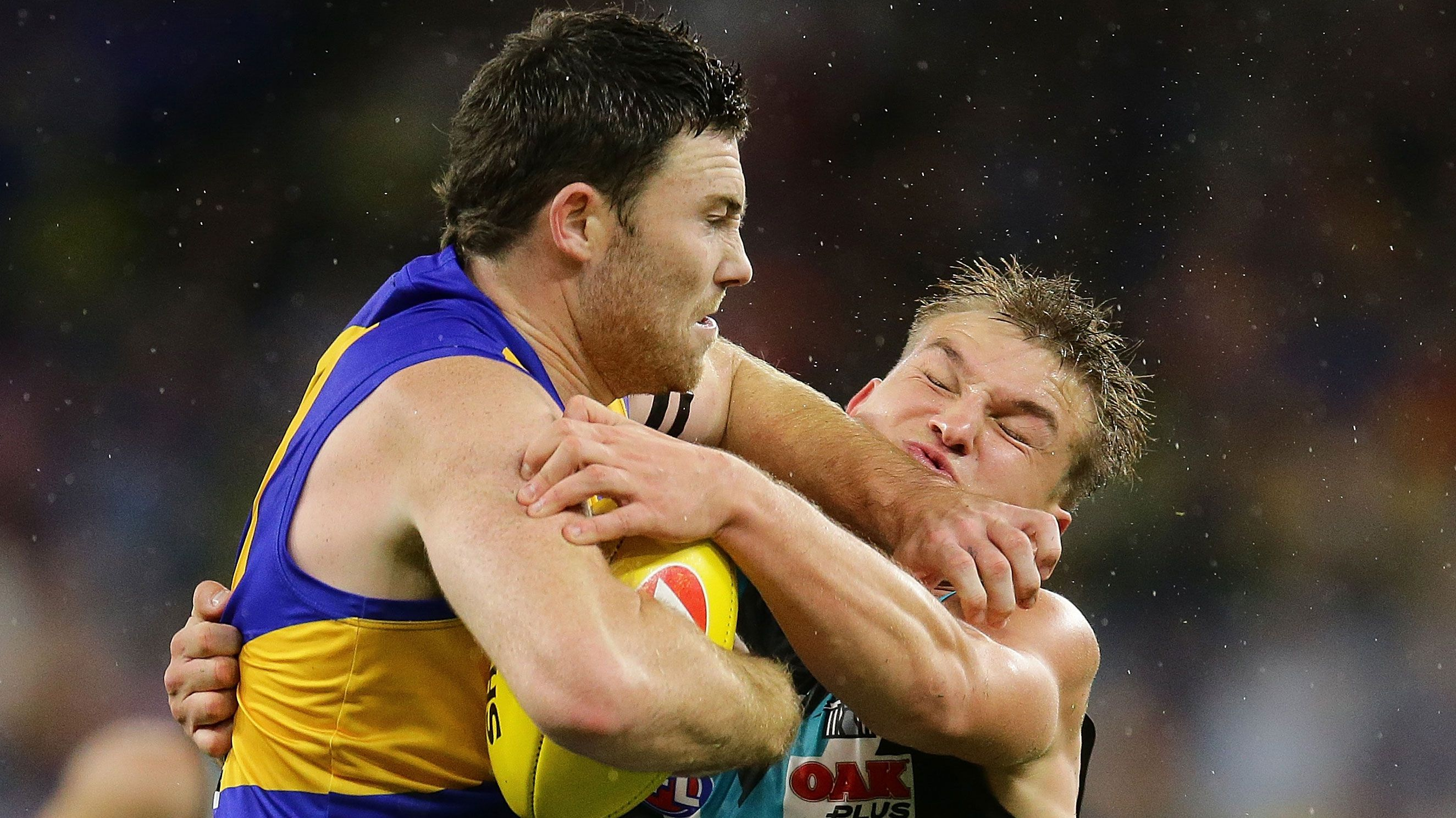 West Coast Eagles premiership star Jeremy McGovern challenged by 'dirty' ball