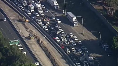 The traffic is impacting thousands of commuters trying to get home. (9NEWS)