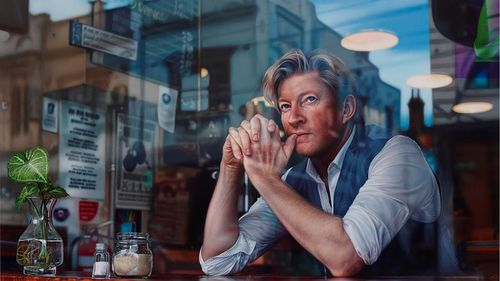 Archibald 2019: David Wenham portrait takes out prestigious Packing Room Prize