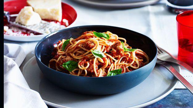 Spaghetti with white meatballs