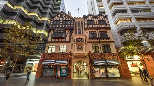 London Court for sale