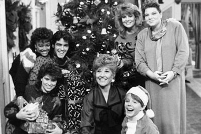 Can you spot George Clooney in this old <i>Facts of Life</i> cast Christmas photo?