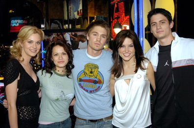 Cast of One Tree Hill (from left to right): Hilarie Burton, Bethany Joy Lenz, Chad Michael Murray, Sophia Bush and James Lafferty.