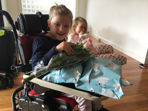 Tiaré receives presents and flowers for her 6th birthday.