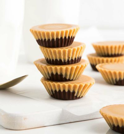 Low-carb chocolate peanut butter cups – 27c per serve