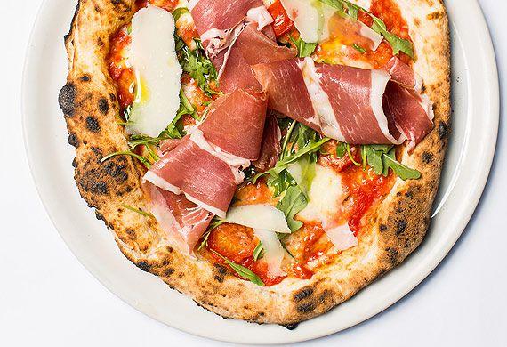 Lucio De Falco's rucola e Parma prosciutto filetto pizza