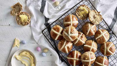 """<a href=""""http://kitchen.nine.com.au/2017/04/11/12/01/anna-polyvious-hot-cross-buns"""" target=""""_top"""">Anna Polyviou's hot cross buns</a> recipe"""
