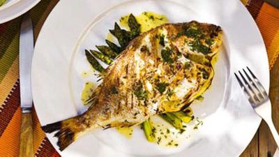 """<a href=""""http://kitchen.nine.com.au/2016/05/16/19/29/whole-baby-snapper-and-asparagus-with-beurre-blanc"""" target=""""_top"""">Whole baby snapper and asparagus with beurre blanc</a> recipe"""
