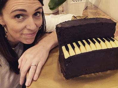 Instagram: Jacinda Ardern attempts Australian Women's Weekly piano cake