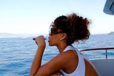"Rihanna shares pics of her vacation sailing around the coast of Italy.<br/><br/>""said i ball so hard muhf-ckas wanna fine me, first n---as gotta FIND me"" ...oh goodness, Rihanna's got a dirty mouth. And a stinky mouth too, by the look of it!"