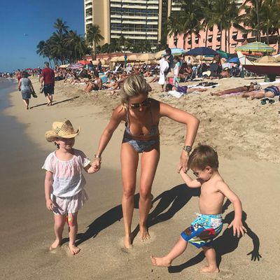 7c857cf0a5 Roxy Jacenko concludes her Hawaiian summer fling, drops some more ...