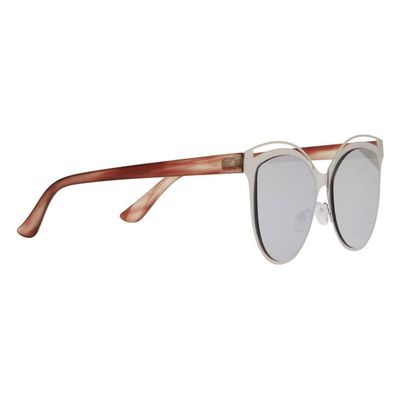 "<a href=""http://www.seedheritage.com/p/flat-mirror-sunglasses/4097011-198-OS-se.html#sz=24&start=25"" target=""_blank"">Seed Heritage Mirrored Sunglasses, $49.95, seedheritage.com</a>"