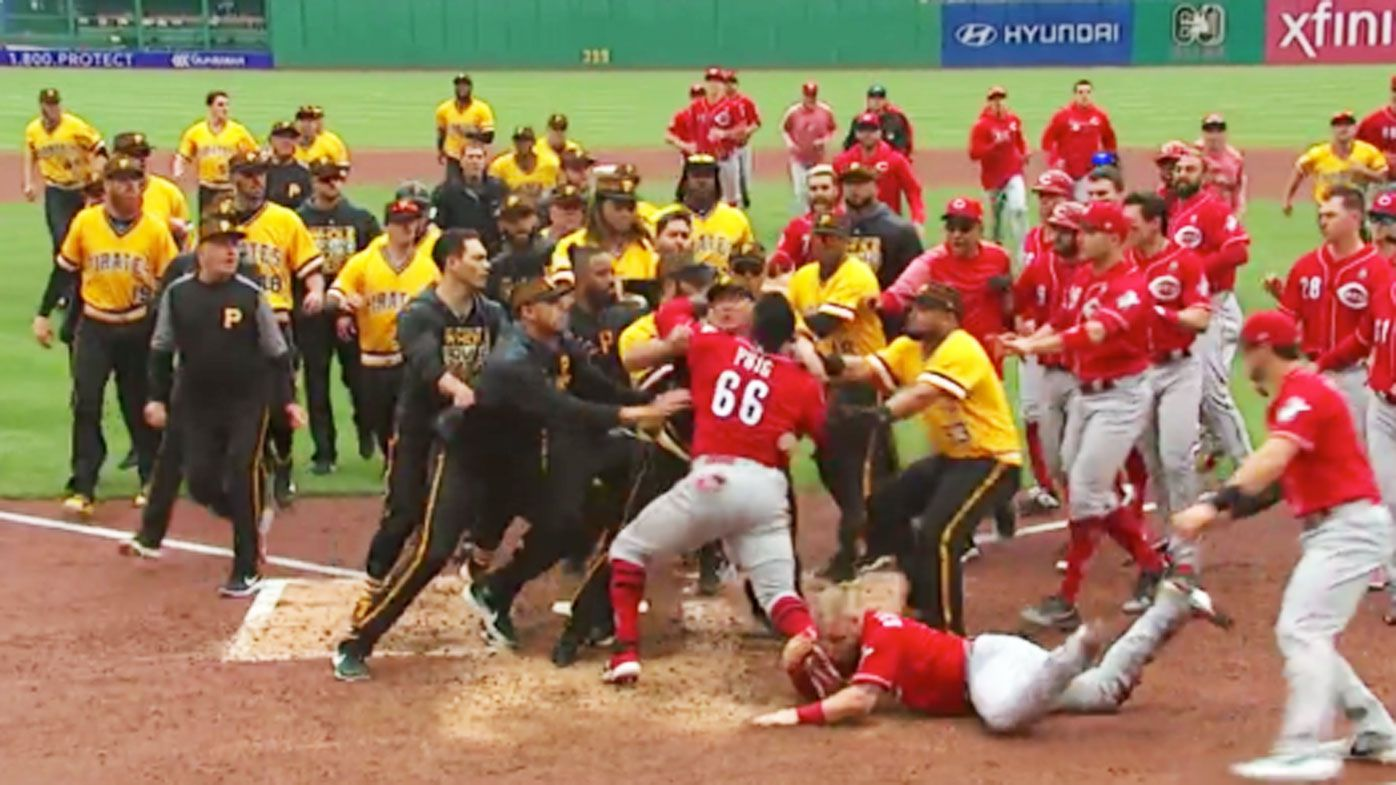 Cincinnati Reds star Yasiel Puig tries to fight entire Pittsburgh Pirates team