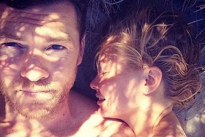 We've got to admit - we were <I>really</i> enjoying all of Lara and Sam's PDA-filled couple pics on social media. That is, before the 27-year-old deleted all evidence of Sam after months and months of dating!<br/><br/>Don't go shy on us now, L-Bingle.
