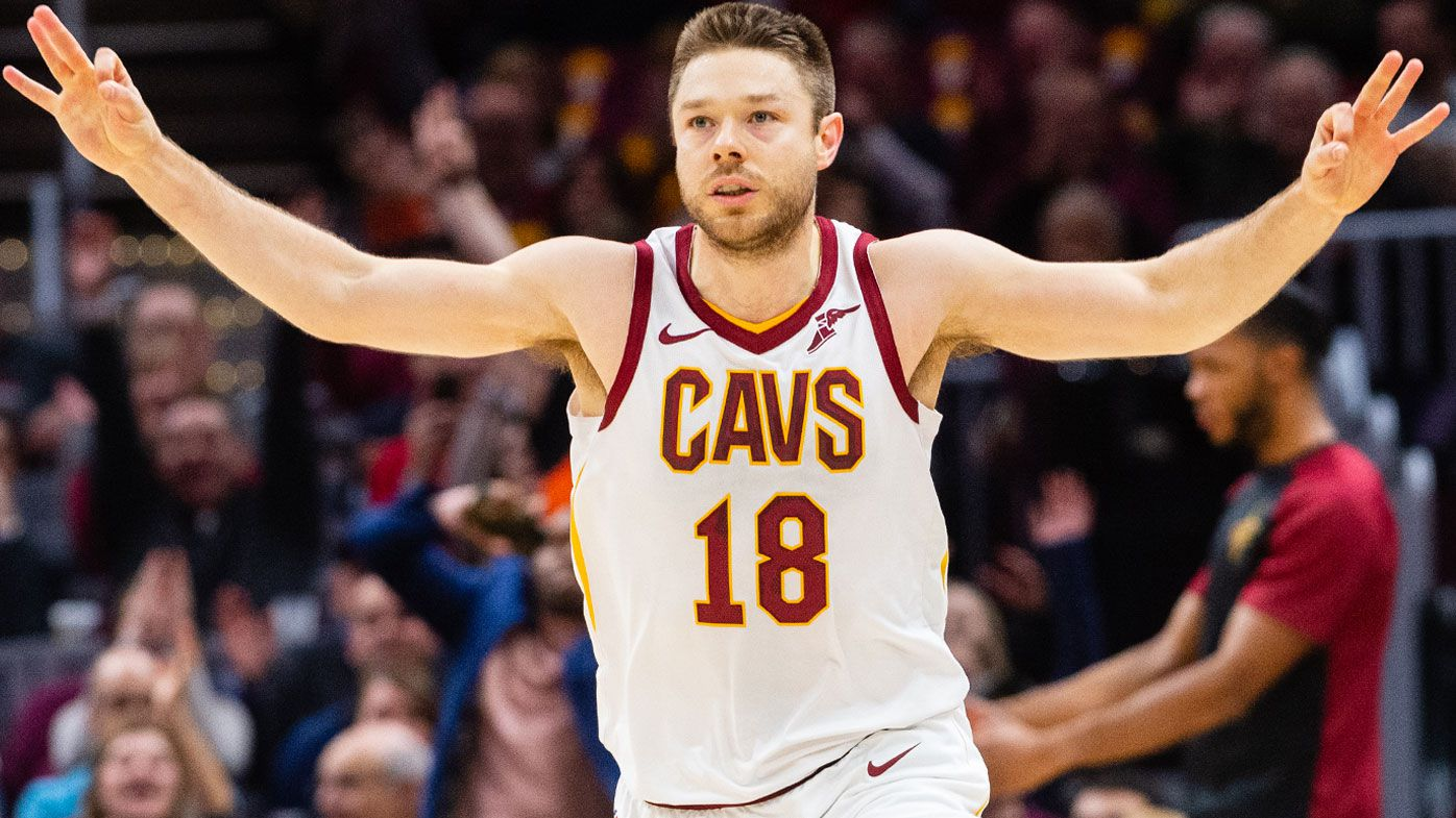 Matthew Dellavedova showered with 'MVP' chants upon return for Cleveland Cavaliers