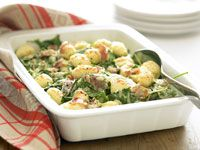 Baked gnocchi with spinach and prosciutto