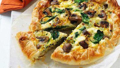 "15.)&nbsp;<a href=""https://kitchen.nine.com.au/2017/03/27/11/01/mushroom-and-leek-filo-pie"" target=""_top"">Mushroom and leek filo pie</a>"