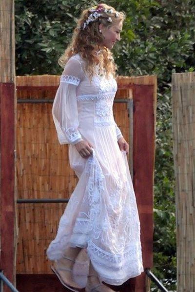 <p>Dress three: Alberta Ferretti</p>