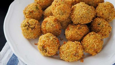 "<a href=""http://kitchen.nine.com.au/2016/09/29/10/30/gluten-free-salmon-and-broccoli-arancini"" target=""_top"">Gluten free salmon and broccoli arancini<br /> </a>"