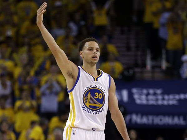 Curry reigns supreme as Delly keeps scrapping