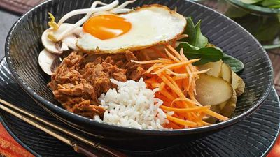"Recipe:&nbsp;<a href=""http://kitchen.nine.com.au/2017/01/19/12/07/tuna-bibimbap"" target=""_top"" draggable=""false"">Tuna bibimbap</a>"