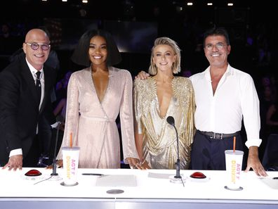 Union with her 'America's Got Talent' co-judges, Howie Mandel, Julianne Hough and Simon Cowell