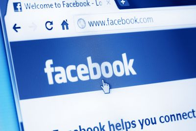 Using Facebook screws up your perception of time