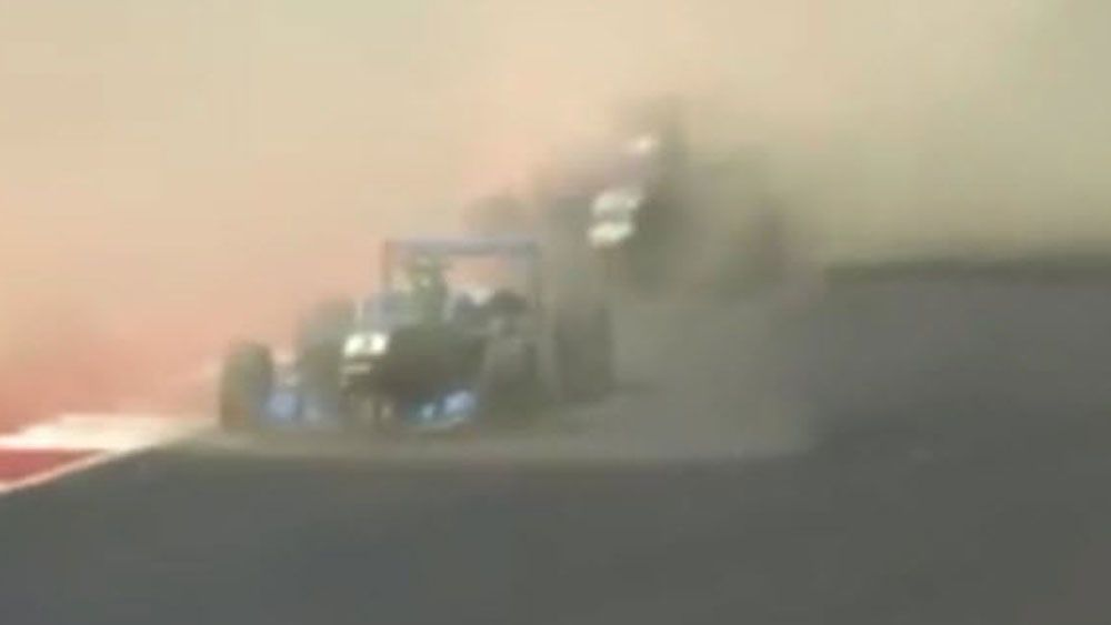 Dust cloud causes terrifying crash in F3