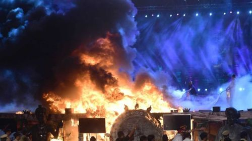 Thousands evacuated after fire engulfs Indian concert stage