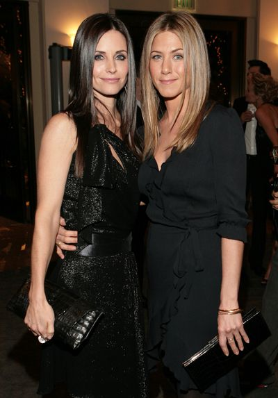 Courteney Cox and Jennifer Aniston at the <em>Dirt</em> premiere in Hollywood, 2006