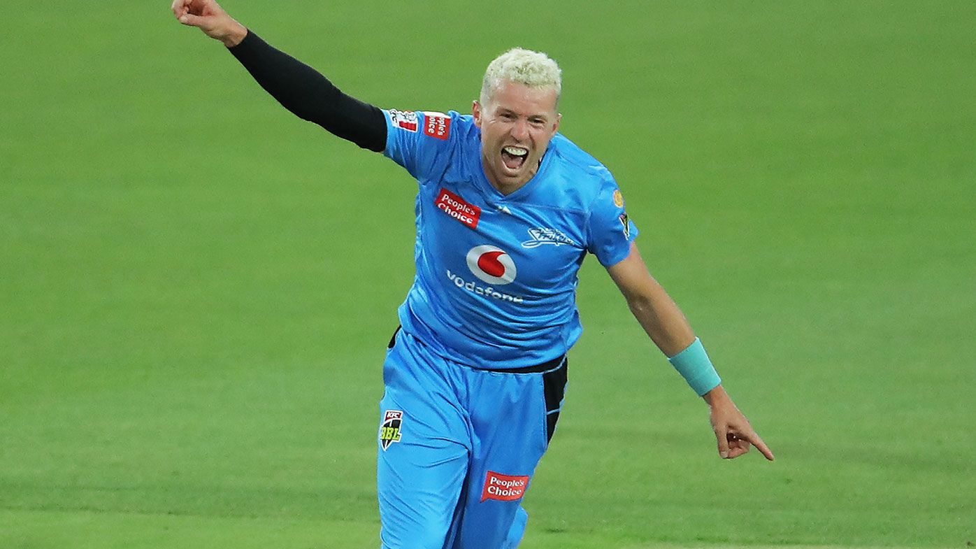 Vintage Peter Siddle steers Strikers to first BBL win of the season