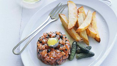 Ocean trout tartare with chips