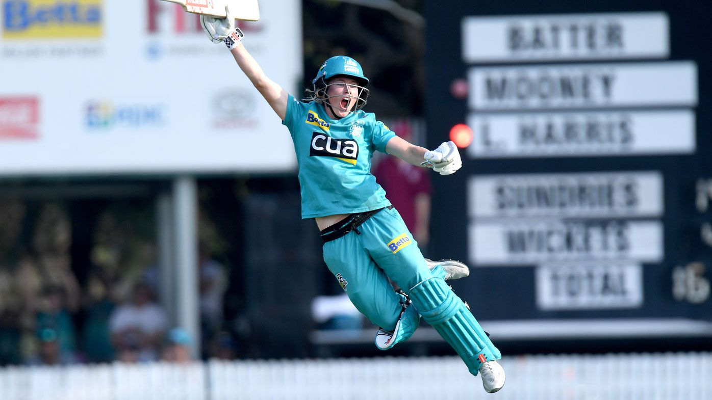 Brisbane Heat chase down Adelaide Strikers to claim consecutive WBBL titles