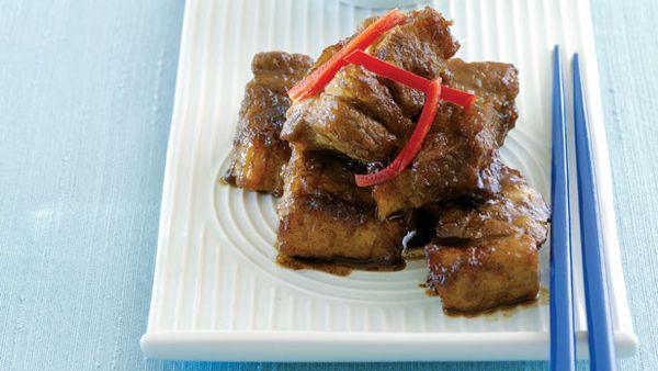 Sticky pork cubes