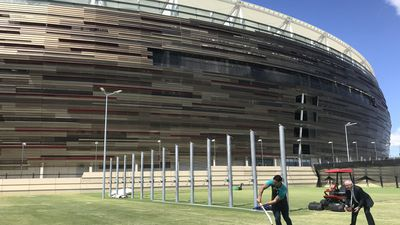 Backlash continues over capped crowds for new Optus Stadium
