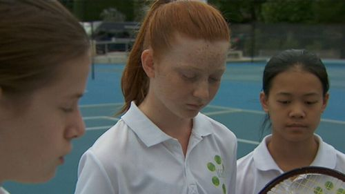 Alice Wilson, Susannah Lutze and Mikayla Lee have invented a new way to keep score during tennis matches. (9NEWS)