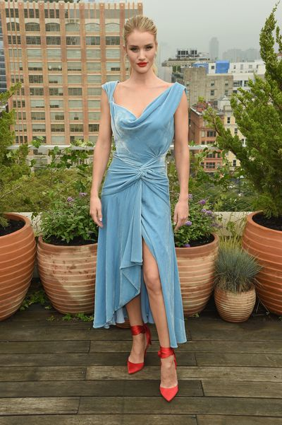 """<p><a href=""""https://style.nine.com.au/2018/09/12/12/00/jennifer-garners-witty-stab-at-new-york-fashion-week"""" target=""""_blank"""" title=""""New York Fashion Week"""" draggable=""""false"""">New York Fashion Week</a> has kicked off and it can only mean one thing, so too has the array of A-listers bringing their carefully thought-out looks and <a href=""""https://style.nine.com.au/2018/09/13/08/59/celeste-barber-tom-ford-nyfw"""" target=""""_blank"""" title=""""star power"""" draggable=""""false"""">star power</a> to the front rows.</p> <p> </p> <p>Supermodel <a href=""""https://style.nine.com.au/2018/08/14/16/34/style-fashion-celine-necklace-alphabet-rosie-supermodel"""" target=""""_blank"""" title=""""Rosie Huntington-Whitley"""" draggable=""""false"""">Rosie Huntington-Whiteley</a> wowed in a blue velvetMonse asymmetric dress that she paired with bold red Christian Louboutin satin-crepe pumps for Oscar de la Renta's Spring Studios Terrace show. </p> <p>Meanwhile, actress Katie Holmes went for a more laid-back but equally striking look in head-to-toe Zimmermann at the Aussie label's Soho show. <em>The First Daughter</em>star donned the Fleeting Chevron Sweater & Unbridled Contour Skirt from the Fall 18 Ready-to-Wear collection.  </p> <p>Click through to check out all the other standout celebrity looks from the biggest week on the U.S fashion calendar.</p>"""
