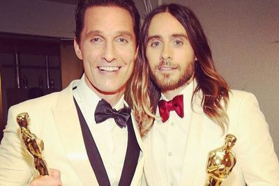 Oscar winners Matthew McConaughey and Jared Leto take a humblebrag selfie at the Vanity Fair after-party.