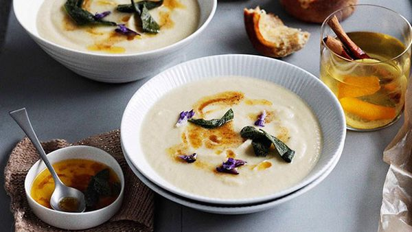 Roast garlic soup