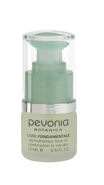 "<p><a href=""http://www.pevonia.com.au/Aromatherapy-Face-Oil-Combination-to-Oily-Skin-Harmonie.html"" target=""_blank"">Combination Skin Harmonie Facial Oil, $49.24, Pevonia Botanica</a></p>"