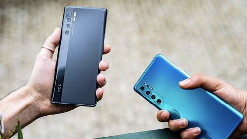 """The TCL 20 Pro 5G comes in """"marine blue"""" and a sleeker grey."""