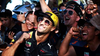 F1 drivers and fans lap up the Grand Prix festivities