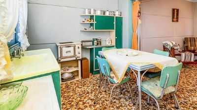 This tiny NSW beach shack is stuck in a brilliant 60s time warp