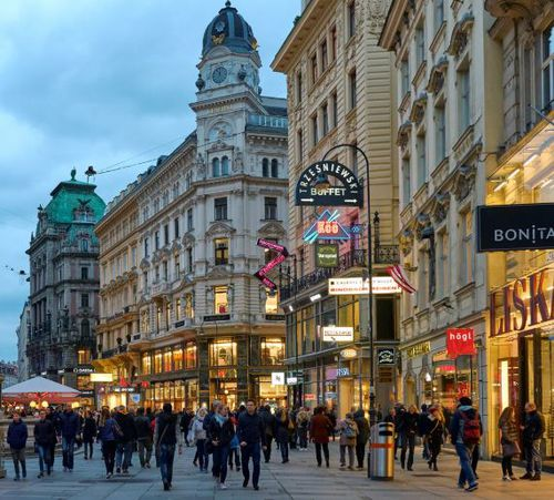 The City of Melbourne has congratulated Vienna on topping the list as world's most liveable city.